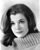 Jessica Walter Portrait in White Knitted Sweater