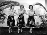 Andrew Sisters on Skirt Dancing