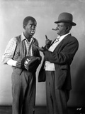 Amos & Andy Talking in Suit With Hat