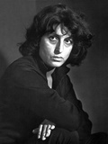 Anna Magnani Looking and Facing to the right
