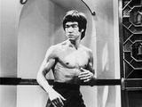 Bruce Lee Posed in Topless with Body Language