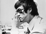 Bruce Lee Posed in Suit and Tie with Sun Glasses