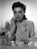 Joan Leslie on a Blazer and Cleaning her Face