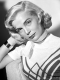 Lizabeth Scott Pose in White Top with Scarf