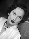 Merle Oberon on a Lace Leaning