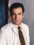 Mandy Patinkin Posed in White Doctor Outfit with Necktie