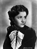 Margaret Lockwood on a Puff Long Sleeve Side view Pose