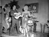 Sex Kittens Go To College Mamie Van Doren on Stage singing
