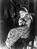 Lillian Gish on Dress sitting and Scared Portrait