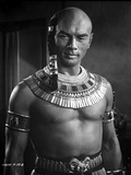 Yul Brynner Posed in Egyptian Attire With earrings