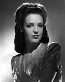 Linda Darnell Sexy posed in Black and White