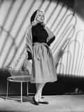 Virginia Mayo Posed in Below-the-Knee Dress