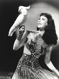 Loretta Young Lady Pose with Parrot Bird