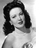 Linda Darnell posed in Black and White