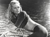 Faye Dunaway Bending Over in Classic