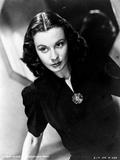 Vivien Leigh posed in Black Dress
