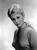 Kim Novak in Fit Dress Outfit