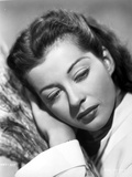 Gail Russell leaning on hand