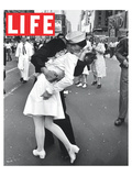 LIFE VJ Day Soldier Kissing girl