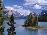 Canada  Alberta  Jasper National Park  Spirit Island and Maligne Lake