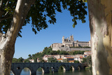 Pont Vieux over the River Orb with St Nazaire Cathedral in Beziers  Languedoc-Roussillon  France