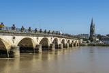Libourne Arch Bridge over the Dordogne River  Libourne  Gironde  Aquitaine  France  Europe