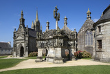 Calvary and Church in the Parish Close  Guimiliau  Finistere  Brittany  France  Europe