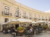 Cafe in Cathedral Square  Ortigia  Syracuse  Sicily  Italy  Europe