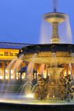 Germany  Baden-Wurttemberg  Stuttgart  Castle Square  Fountain