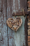 Heart Made of Driftwood, Wood, Door Papier Photo par Andrea Haase