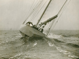 Resolute, a Racing Yacht Owned by a Syndicate Founded by Cornelius Vanderbilt Papier Photo par Edwin Levick