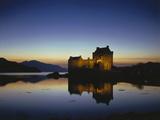 GrovŸbritanien  Schottland  Eilean Donan Castle Mit  Loch Duich Am Abend  Abendstimmung  Burg  See