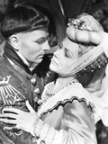 Henry V  from Left: Laurence Olivier  Renee Asherson  1944