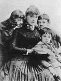 Georgiana Drew Barrymore Surrounded by Her Children  1890s  890s