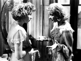 A Streetcar Named Desire  from Left  Kim Hunter  Vivien Leigh  1951