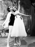 The Red Shoes  from Left: Robert Helpmann  Moira Shearer  1948