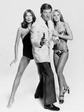 Roger Moore  Britt Ekland  Maud Adams  The 007  James Bond: Man with the Golden Gun 1974