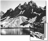 """Kearsarge Pinnacles,"" Partially Snow-Covered Rocky Formations Along the Edge of the River Acrylique par Ansel Adams"