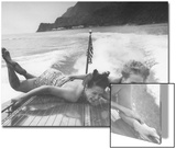 Betty Brooks and Patti McCarty Motor Boating at Catalina Island Acrylique par Peter Stackpole