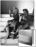 """Marilyn Monroe and Jane Russell During a Break While Filming """"Gentlemen Prefer Blondes"""" Acrylique par Ed Clark"""