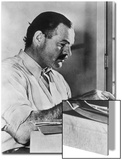 Ernest Hemingway Typewriting