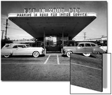 Drive-In-Restaurant  in Los Angeles Suburb