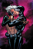 Astonishing X-Men No44 Cover: Storm and Cyclops Kissing