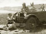 Women at a Picnic  1928