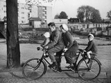 Family-Bicycle in the 30s