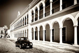 ¡Viva Mexico! B&W Collection - Black VW Beetle Car in Campeche II
