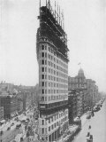 View of the Flatiron Building under Construction in New York City Papier Photo