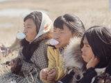 Alaska: Native Alaskan Girls Blowing Bubbles Aluminium par Ralph Crane