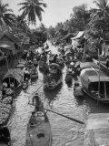 Floating Market in Bangkok Papier Photo par Dmitri Kessel