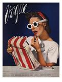 Vogue Cover - July 1939 - Lipstick, Quick! Giclée premium par Horst P. Horst